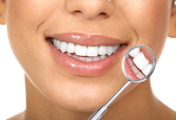 Удаление зуба мудрости во время месячных