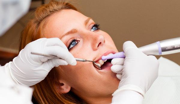 Выбор зубной нити начните с визита к стоматологу
