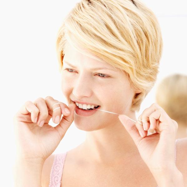 Как часто надо пользоваться зубной нитью